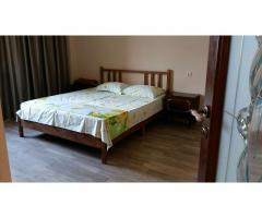 Продаю 1,5-комнатную квартиру в Гагре в районе Кемпинга - Изображение 2/8